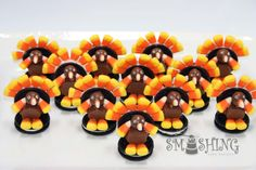 Make these cute little treats for Thanksgiving. Little ones just love these guys. They are easy to make, but give yourself a couple of hou. Thanksgiving Treats, Holiday Treats, Halloween Treats, Holiday Fun, Holiday Recipes, Fall Treats, Holiday Foods, Holiday Cookies, Oreo Turkey