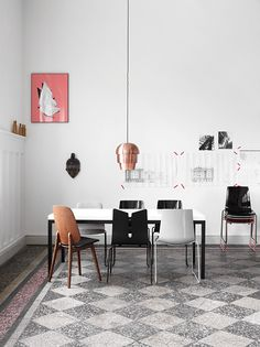 HOME    Room decor and layout