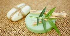 Para que serve e como fazer sabonete de babosa The Effective Pictures We Offer You About diy body care beauty hacks A quality picture can tell you many things. You can find the most beautiful pictures Beauty Care, Diy Beauty, Beauty Hacks, Dog Treat Recipes, Healthy Dog Treats, Aloe Vera, Acne Soap, Stick Photo, Acide Aminé