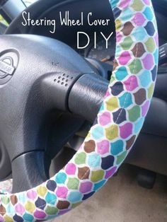 DIY homemade crafty Steering Wheel Cover for your car or truck! Cute Crafts, Crafts To Make, Diy Projects To Try, Diy Crafts, Fabric Crafts, Sewing Crafts, Sewing Projects, Sewing Hacks, Sewing Tutorials