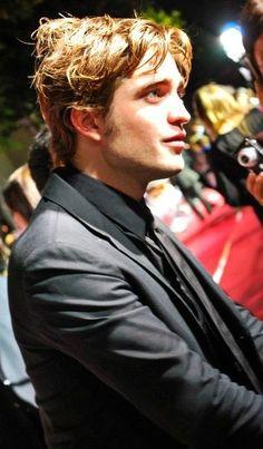 Robert Pattinson at the Twilight premiere