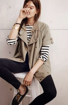 778a8d338348a Shop Women s Madewell size S Jackets   Coats at a discounted price at  Poshmark. Description  With its short sleeves and durable cotton fabric