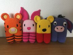 Hæklede Peter Plys-figurer Diy Crochet Toys, All Free Crochet, Crochet Gifts, Crochet Animals, Crochet For Kids, Crochet Projects, Knit Crochet, Amigurumi Patterns, Crochet Patterns