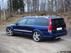 2002 Volvo XC70 Ocean Race Edition - Painted plastic moldings, wheels.