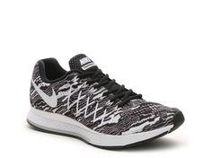 bdc7606d8bed Men s Nike Air Zoom Pegasus 32 Print Lightweight Running Shoe - - Black  White Mens