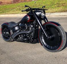 Incredible Ideas: Harley Davidson Fatboy With Saddle Bags harley davidson home decor fit.Harley Davidson Softail For Sale. Harley Davidson Chopper, Harley Davidson Street Glide, Harley Davidson Softail Slim, Harley Davidson Custom, Classic Harley Davidson, Harley Davidson Motorcycles, Custom Motorcycles, Custom Bikes, Harley Fatboy