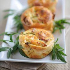 Découvrez la recette Quiche sans pâte aux tomates confites sur cuisineactuelle.fr.
