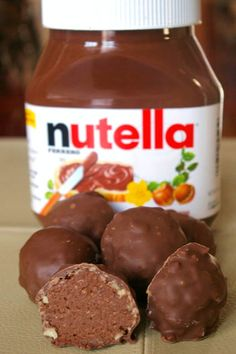 nutella truffles - should this even be allowed? I can hardly not eat the entire jar of nutella when I open it to spread on my toast. How will I have the willpower to not eat all the NUTELLA truffles? Candy Recipes, Sweet Recipes, Dessert Recipes, Healthy Recipes, Just Desserts, Delicious Desserts, Yummy Food, Yummy Treats, Sweet Treats