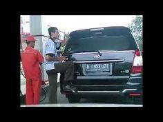 Video Kocak Orang Indehoi sama Mobil nya di SPBU asli bikin Ngakak!