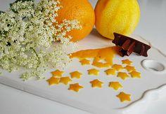 Lemon peel in lemonade or water?