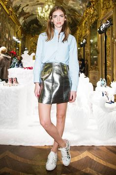 From Alexa Chung to the Olsens, the 14 Camera Poses You Need to Know | Who What Wear UK