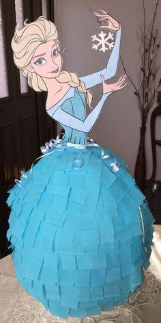 Elsa Frozen Pinata:                                                                                                                                                     Más