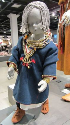 """Izstāde """"Latviskās dvēseles raksti"""", lībiešu bērna tērps"""