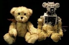 Huggable is the new robotic teddy bear. The robot is being studied to determine whether it can have therapeutic value for hospitalized children. Medical Robots, Robot Revolution, Cool Robots, Paddington Bear, Disco Duro, Usb, Robot Design, Quites, Need You