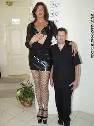 Giant People, Tall People, Long Tall Sally, Tall Guys, Tall Women, Jennifer Lopez, Leather Skirt, Beautiful Women, Portraits