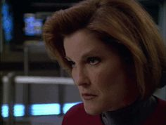 NO WAY.   46 Times Captain Janeway Was Outta Control Sassy