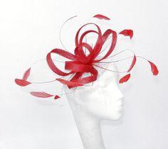 Chapeau bibi rouge pour les mariages, les courses et événements spéciaux avec bandeau