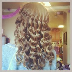 How to curl your hair like this step 1 part your hair into yes that is my hair want this well heres how to do it urmus Gallery