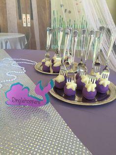 Little mermaid cake pops on forks. Dinglehoppers Alternate cake pops for strawberries for hot summer party! Mermaid Cake Pops, Little Mermaid Cakes, Little Mermaid Birthday, Little Mermaid Parties, 6th Birthday Parties, 3rd Birthday, Birthday Ideas, Mermaid Baby Showers, Mermaid Pool