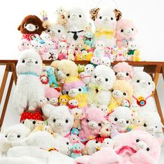 **Snuggle** these super-soft Alpacasso Plushies!  **Display** them to make your room even more adorable!  **Smile** whenever you see them!  **Snuggle! Display! Smile!**  Enjoy endless cuddles with this Alpacasso set that includes 100 adorable Alpacasso items ranging from soft plushies to cute accessories like hats and earmuffs.  With this set, you'll likely have the greatest collection of A...