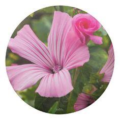Gomme à effacer fleur rose avec la rosée du matin