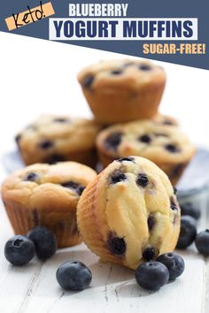 Hello pretty little low carb muffins! Made with greek yogurt for extra tenderness and bursting with fresh berries. Hello pretty little low carb muffins! Made with greek yogurt for extra tenderness and bursting with fresh berries. Keto Muffin Recipe, Healthy Muffin Recipes, Low Carb Recipes, Blueberry Yogurt Muffins, Blue Berry Muffins, Greek Yogurt Muffins, Muffins Sains, Full Fat Greek Yogurt, Pain Keto