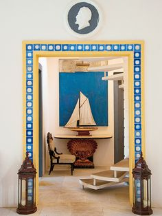 Summer house by Jorge Elias. Directorio Deco by Gloria Gonzalez Feng Shui, Jorge Elias, Blue Yellow, Blue And White, Yellow Interior, Gifts For Photographers, Square Photos, Flash Photography, Classic Elegance