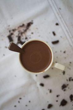 Thick and Creamy Coconut Milk Hot Chocolate (Paleo, Gluten free, Grain free, Dairy Free Option) by Slim Palate Paleo Hot Chocolate, Best Hot Chocolate Recipes, Coconut Chocolate, Chocolate Chips, Nutella, Gluten Free Grains, Dairy Free Options, Cocktails, Paleo Treats