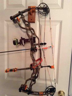 Hunting Bows, Archery Hunting, Compact Bow, Hoyt Bows, Mathews Archery, Archery Tips, Big Deer, Bowhunting, Bow Accessories