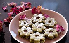 Vánoční+cukroví+se+letos+převléká+do+zelené.+Se+směsí+z+čaje+matcha Matcha, Doughnut, Cereal, Breakfast, Desserts, Recipes, Food, Decor, Morning Coffee