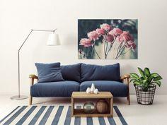 Ha kiválasztasz néhány megfelelő képet a falra, tovább fokozhatod a tavaszi hangulatot akár a színekre, akár a növényekre helyezed a hangsúlyt.