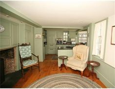 Circa 1700 colonial living room