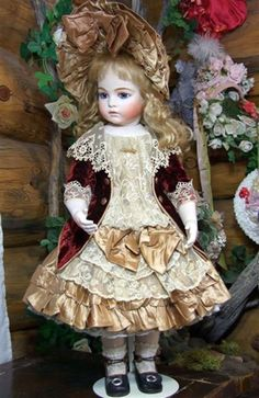 Bru Jne 11 Antique Replica - dress is also repro but beautifully done.