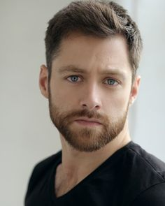 We have big news as part of #OutlanderOfferings today. Introducing @RikRankin as Roger Wakefield!