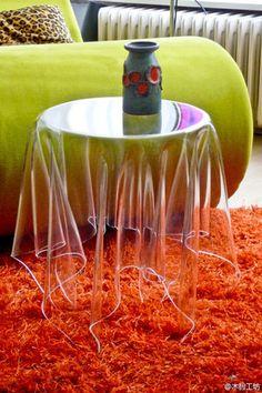 『看不见的边桌』丹麦设计师John brauer作品Essey Illusion,用3毫米的亚克力制作。 - 堆糖 发现生活_收集美好_分享图片