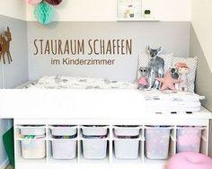 In Kinderzimmern Stauraum schaffen – das geht ganz einfach mit einem tollen IKEA… Creating storage space in children's rooms – that's easy with a great IKEA TROFAST hack! We show you how to do it! Diy Kids Room, Baby Room Diy, Kids Bedroom, Diy Baby, Kids Storage, Storage Spaces, Storage Bins, Trofast Hack, Kura Bed