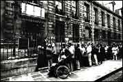 """Bibliothèque de l'Arsenal. SOUS LA MONARCHIE DE JUILLET- 187) """" Pavillon Suly, dispositions additionnelles"""" plan et coupe et """"Pavillon de Sully, façade restaurée"""". 2 relevés, un à la plume, l'autre lavé, signés Peyre et Philippon. Le nom de Sully a été rattaché abusivement au cours des siècles à un certain nombre de salles, de bâtiments, de pavillons de l'Arsenal. Sur ces 2 relevés il s'agit en fait du bâtiment qui comprenait au 1° étage la chambre et le cabinet de la maréchale de la…"""