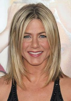 Color and Razor Face Frame Jennifer Aniston Long Bob Hairstyles Inspired Long Bob Haircuts, Long Bob Hairstyles, Celebrity Hairstyles, Wedding Hairstyles, Haircut Long, Layered Haircuts, Pretty Hairstyles, Jennifer Aniston Long Bob, Jennifer Aniston Hairstyles