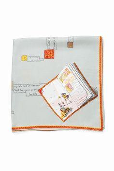manipuri SI BOOK6565  manipuri SI BOOK6565 11880 首元や手首BAGのポイントに等アレンジ自在でコンパクトに巻きやすいスカーフ シルク素材でシックな雰囲気でお使い頂けるアイテムです MANIPURI(マニプリ) 眺めることしか出来なかったお気に入りの絵画をそのまま身につけられる感覚に魅力を感じ40年代70年代にかけてヨーロッパで実際に使用されていたヴィンテージスカーフに魅了され多くのスカーフをコレクションいるデザイナー ヴィンテージスカーフの素晴らしさを沢山の人に伝えたいと思い当時の雰囲気を残しつつ時代に合うアイテムを展開しています 柄は勿論のこと素材やサイズにもとてもこだわりを持っており誰もが着心地良く美しい絵を身に着けられる様毎シーズン研究を重ね進化し続けています