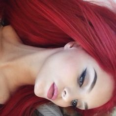 Makeuphall: The Internet`s best makeup, fashion and beauty pics are here. Beauty Makeup, Hair Makeup, Hair Beauty, Bright Red Hair, Burgundy Hair, Bad Hair, Hair Today, Gorgeous Hair, Beautiful