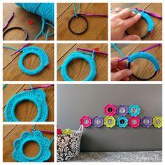 #Crochet cute photo frame . Free pattern --> http://wonderfuldiy.com/wonderful-diy-crochet-photo-frame/