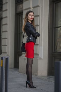 Red Skirts, Mini Skirts, Leather Heels, Leather Skirt, Street Chic, Street Style, Nylons, Stockings Heels, Heels Outfits