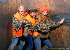 30 HILARIOUS Reactions In Haunted House! Pics From Exact Scariest Moment by http://www.funnynlol.com/funny/30-hilarious-reactions-in-haunted-house-pics-from-exact-scariest-moment