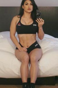 Rachael Ostovich is a beautiful MMA fighter! Jesus Is Lord, Judo, Sport Girl, Hottest Photos, Cheerleading, Martial, Mma, Gymnastics, Champion