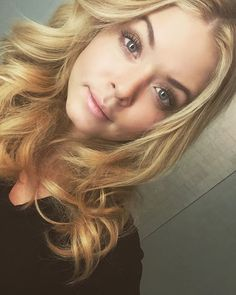 Sasha Pieterse PLL Pretty Little Liars