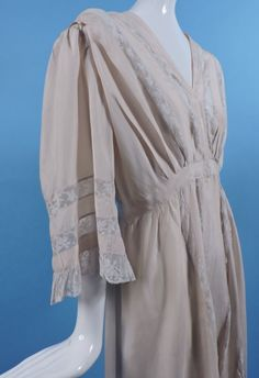 Edwardian Silk Crepe Peignoir Robe w Valenciennes Lace Insertion. Detail