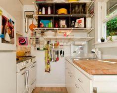 Stilvolle und kompakte Idee für Aufbewahrung der Geschirr