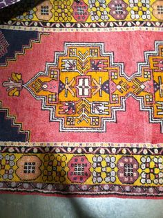 CR Laine | High Point Market | The Pursuit of Style - this rug!!