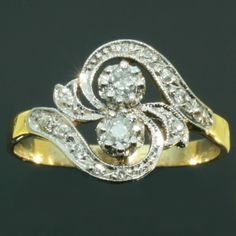Romantic Belle Epoque antique diamond engagement ring so called toi et moi