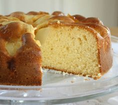 APPLE CAKE | See the recipe at: http://www.facebook.com/RecipesWeb